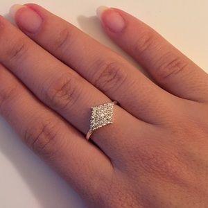 Jewelry - Silver Diamond Ring